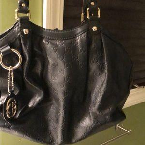 Gucci Sukey. Black leather. Medium.